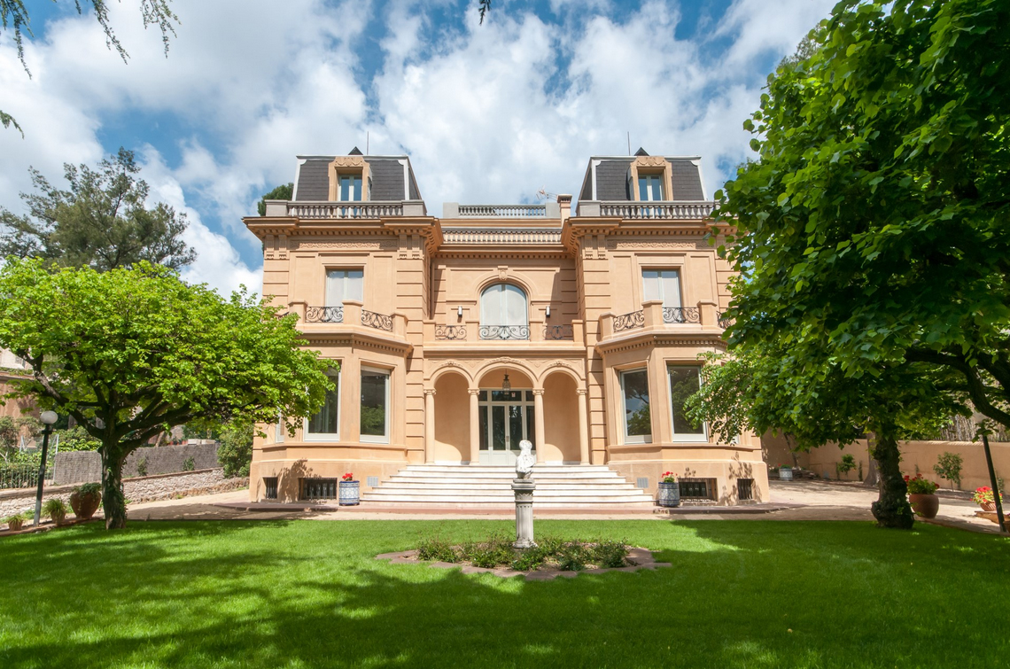 PROPERTY IN PEDRALBES