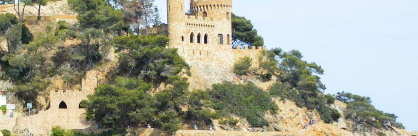 Castillo d'en Plaja y la cala